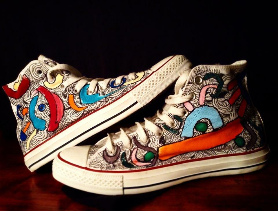 Scarpe Converse All Star personalizzate dipinte a mano con soggetto astratto