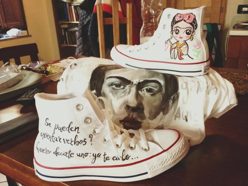 Idee regalo per lui e per lei: Scarpe All Star personalizzate dipinte a mano con Frida Kahlo