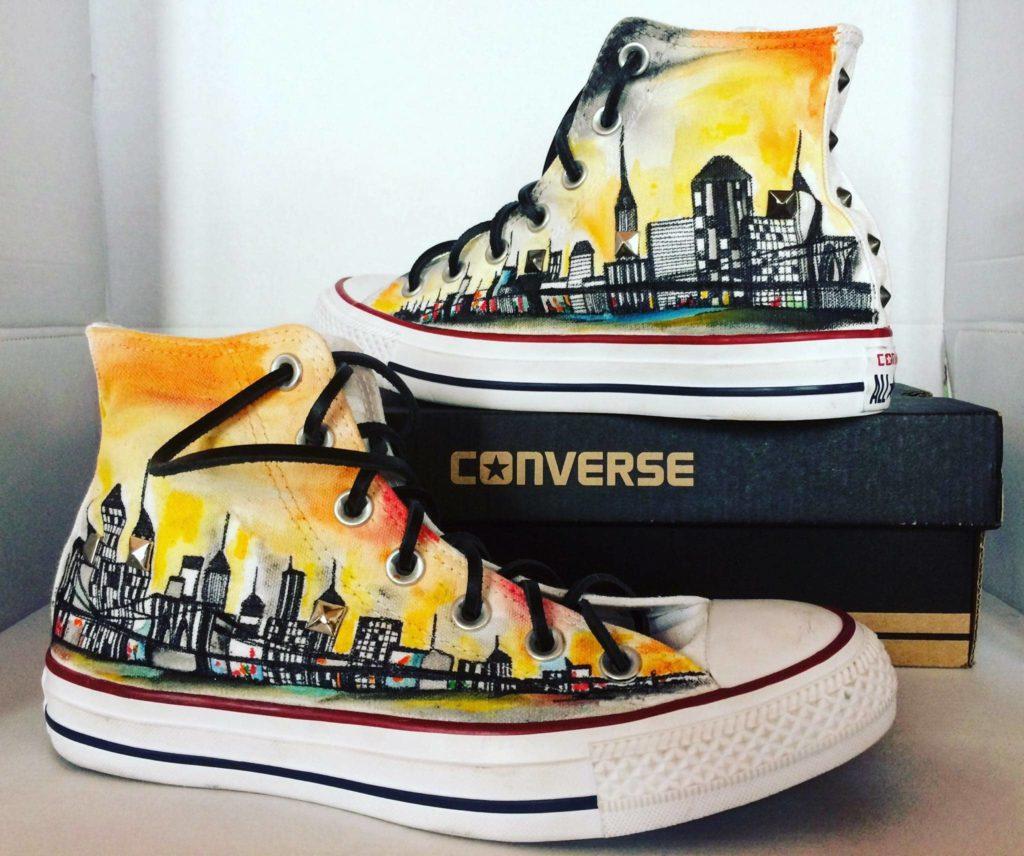Idee regalo per lui e per lei: Scarpe Converse All Star personalizzate dipinte a mano con NewYork